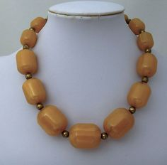 Art Deco Butterscotch Amber Bakelite Graduated Bead Necklace 17inch Chunky Beads #unbranded #Choker