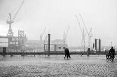 Hafen im Regen