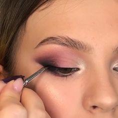 Makeup Looks Tutorial, Smokey Eye Makeup Tutorial, Eye Makeup Steps, Eye Makeup Art, Eyebrow Makeup, Skin Makeup, Eyeshadow Makeup, Easy Makeup Looks, Purple Makeup Looks