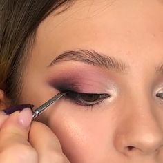 PURPLE MAKEUP TUTORIAL GLAM IDEA Makeup Eye Looks, Eye Makeup Steps, Beautiful Eye Makeup, Smokey Eye Makeup, Eyebrow Makeup, Skin Makeup, Eyeshadow Makeup, Beauty Makeup, Purple Makeup Looks