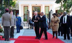 Canadá comienza a establecer lazos en África. Lea los detalles de la visita oficial del Gobernador General a Sudáfrica. Visite nuestra página y sea parte de nuestra conversación: http://www.namnewsnetwork.org/v3/spanish/index.php