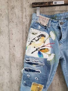 Maybe a collage theme? Levis Vintage, Grunge Jeans, Hipster Jeans, Jeans Levi's, Jeans Button, Levis 501, Boyfriend Jeans, Painted Jeans, Painted Clothes