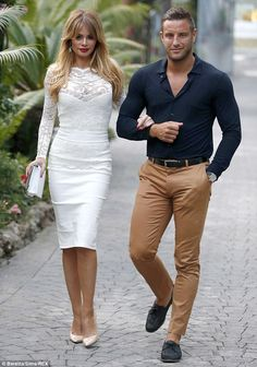mens_fashion - Chloe Sims reveals she is desperate for Elliott Wright to propose Trendy Mens Fashion, Mens Fashion Wear, Stylish Mens Outfits, Suit Fashion, Unisex Fashion, Fashion Outfits, Fashion Trends, Mens Casual Suits, Chloe Sims