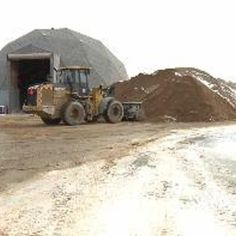 Wisconsin's DNR approved a new study (28/Jan/2015) on frac sand mining in Wisconsin. The DNR wants to update a 2012 report on sand mining with more current information after Midwest Environmental Advocates presented a petition to the agency's board in Oct/2014 seeking an industry analysis.