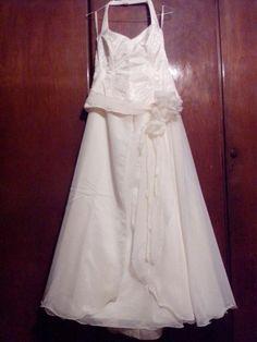 ¡Nuevo vestido publicado!  nazmi novias - T44 ¡por sólo $2800! ¡Ahorra un 58%!   http://www.weddalia.com/ar/tienda-vender-vestido-novia/nazmi-novias-t44/ #VestidosDeNovia vía www.weddalia.com/ar