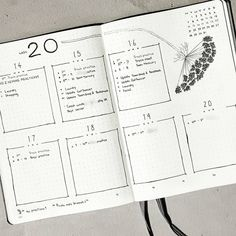 Bullet journal weekly layout, Queen Anne's Lace drawing, flower doodle. | @mediocre_bujo