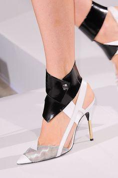 Ankle-Strap Heels: Roland Mouret Spring 2014 #PinAtoZ