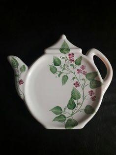 ABruxinhaCoisasGirasdaCarmita: Prato em forma de bule (porcelana) para colocar a ...