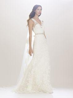 Imagen 113 Vestido de novia de encaje con cinturón en plata | HISPABODAS