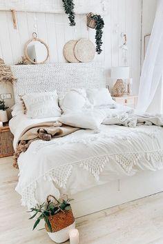 Room Design Bedroom, Room Ideas Bedroom, Home Bedroom, Cute Bedroom Decor, Bedroom Inspo, Stylish Bedroom, Bedroom Designs, Boho Teen Bedroom, Cute Teen Bedrooms