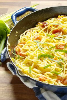 If you always leave the corn on the cob, you're denying yourself from this cheesy bacon pasta.Get the recipe from Delish. Best Spaghetti Recipe, Spaghetti Recipes, Pasta Recipes, Dinner Recipes, Cooking Recipes, Pasta Meals, Pasta Food, Meal Recipes, Rice Recipes