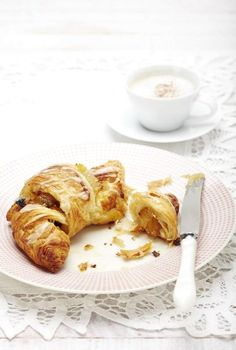 Croissante rapide cu mere Croissant, Pancakes, French Toast, Cooking, Breakfast, Random, Food, The Sea, Pie