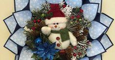 No gastarás demasiado dinero en la elaboración de estas bellas coronas de navidad hechas enteramente de papel y cartulina. Puedes colgarlas...