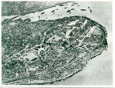 Tarihi Yarımada'nın Havadan Görünümü AEROFILMS LTD, BUSH HOUSE, LONDON. W.C.2. REF. No F110 SUBJECT Istanbul 2 1/1 G
