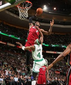 LeBron James Dunks All Over Jason Terry (VIDEO)