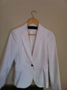 Zara - white blazer with gold button Buttons, Trench Coats, Blazers, Money, Gold, Fashion, Moda, Fashion Styles, Blazer