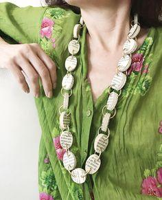 Un preferito personale dal mio negozio Etsy https://www.etsy.com/it/listing/503145156/gioielli-di-carta-collana-lunga-a-catena