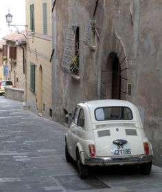 If only the streets of London looked like this! If only the cars were all as authentic as this!