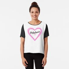 Top mousseline 'gift for Nurses .Nurses every day heros.Nurse shirt for her' par Happy Nurses Day, Pregnant Mom, Nurse Gifts, Chiffon Tops, V Neck T Shirt, Athletic Tank Tops, Classic T Shirts, Fitness Models, Maternity