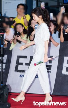 [HD포토] 김태리 꽃보다 태리 #topstarnews Korean Celebrities, Beautiful Celebrities, Celebs, Bad Girl Outfits, Kdrama Actors, Fitness Goals, Movie Stars, Actors & Actresses, Korean Fashion