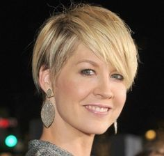 straight pixie cut short hairstyles for women blonde