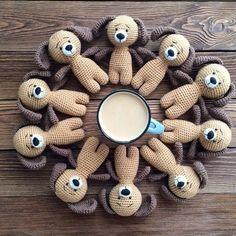 Потрясающие вязаные собачки- амигуруми для украшения дома!/4403711_ioCfUbJIrDY (604x604, 142Kb)