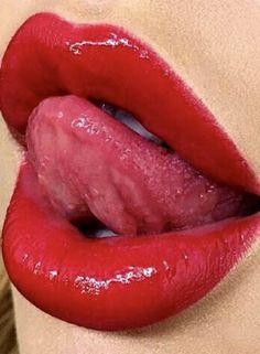 Red Lipstick Shades, Lipstick Art, Girl Tongue, Beauté Blonde, Kissing Lips, Girls Lips, Lip Kit, Glossy Lips, Beautiful Lips