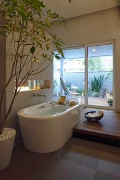Big Bathrooms, Small Bathroom, Bathroom Showers, Japanese Style Bathroom, Luxury Shower, Shower Surround, Cheap Apartment, Bathroom Styling, Bathroom Fixtures