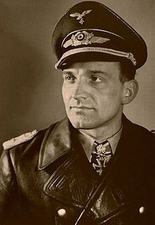 "Oblt. Hans-Ulrich Rudel. Staffelkpt. 9./Stuka-Geschw. 2 ""Immelmann"". RK. 6.1.1942. EL. (229) 14.4.1943. S. (42) 25.11.1943. Br. (10) 29.3.1944. ELiG. (1) 29.12.1944."