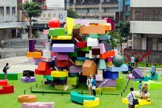 dezain.net - 台北からソウルに巡回しているMVRDVの展覧会「The Vertical Village」の写真(Flickr)