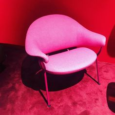 Coulor @stockholmdesignweek2018 #muranochair #offect @lucanichetto #pink #red