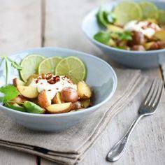 Cherry Potatoes pittige salade Fruit Salad, Cherry, Potatoes, Food, Salads, Cilantro, Fruit Salads, Potato, Essen