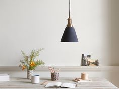 An ultra-cool geezer and an all round crowd-pleaser. Meet our Jackpot. The pendant light we've all been thinking about.