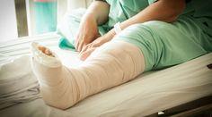 Imobilizarea prin aparat gipsat (Îngrijirea pacientului cu aparat gipsat) Ankle Surgery, See On Tv, Feet Care, Bean Bag Chair, Medical, Lawyers, St Louis, Nursing, News