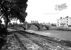 Image from http://photos.francisfrith.com/frith/llanrwst-y-bont-fawr-bridge-and-the-victoria-hotel-1892_30143_large.jpg.