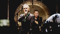 Moz's New Year's Eve show was heavy on politically charged messages and rich with his characteristic musicality. Eve Show, Will Smith, Old Things, Tours, Concert, Pictures, Photos, Recital, Photo Illustration