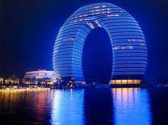 Hotel Resort en China, si los hoteles de Dubai te parecían raros, esté lo es más. pic.twitter.com/AnNw4t02ps