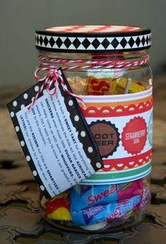 48 homemade gifts in a jar tutorials crafts подарки, кухня Great Teacher Gifts, Student Gifts, Cute Gifts, Best Gifts, Teacher Stuff, Almond Joy, Sugar Baby, Teacher Appreciation Week, Sweet Tarts