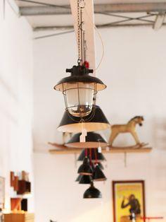 Retrosalon Köln Vintage Mobiliar Möbel Urban Retro Industrie Stühle Leuchten Licht