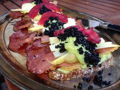 Spargel-Rohschinken.Avocado-Tartines Avocado, Black Sesame, Acai Bowl, Breakfast, Blog, Beautiful, Kochen, Ham, Asparagus