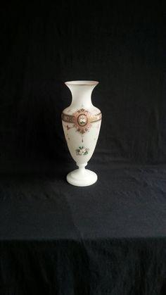Prachtige (Grote) Opaline Glazen Vaas - Geëmailleerd | Handgeschilderd | Floraal | Cartouches -  Frankrijk/Bohemen 19e Eeuws