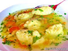 Supa de pui cu galuste Egg Recipes, Soup Recipes, Cooking Recipes, Fish And Eggs Recipe, Romanian Food, Romanian Recipes, European Cuisine, Sweet Tarts, Pinterest Recipes