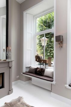 Love the window decorations like this Sweet Home Design, House Design, Home, Contemporary Windows, Living Room Seating, Living Spaces, Home Deco, Interior Design, Living Decor
