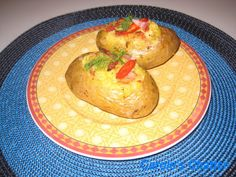 Carole's Chatter: 'Loaded' Baked Potatoes re-loaded Stuffed Baked Potatoes, Loaded Baked Potatoes, Healthy Foods To Eat, Easy Healthy Recipes, Healthy Eating, Baked Potato Recipes, Potato Sides, I Love Food, Favorite Recipes