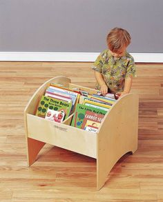 Bird In Hand Book Browser Toddler Sized Book Storage Unit   22 1/4 X