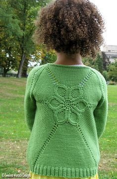 Ravelry: Flower Cardigan pattern by Ewelina Murach. 3 months to 8 yearsFun to knit and comfortable to wear, Flower Cardigan has an unusual construction - it starts from a hexagon-shaped upper back and is worked from the centre of the flower motif out Baby Knitting Patterns, Christmas Knitting Patterns, Knitting For Kids, Knit Cardigan Pattern, Baby Cardigan, Knitting Magazine, Baby Sweaters, Sweaters Knitted, Pulls