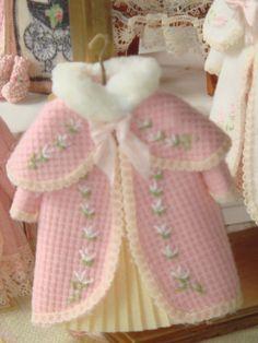 Bianco in miniatura bambole Tube//casa delle bambole #14# scala 1:12 TAPPETO//pelo sintetico tappeto