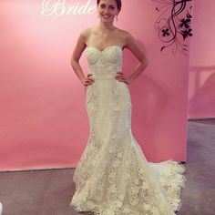 How gorgeous is this guipure lace mermaid? Gown by Birnbaum & Bullock.
