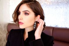 Olivia Culpo Holiday Beauty Looks | allure.com