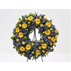 "Coroa de flores ""Lirio""   Império da Flor Floral Wreath, Wreaths, Halloween, Decor, Floral Shops, Flower Headdress, Red Roses, Daisies, Flower Arrangements"
